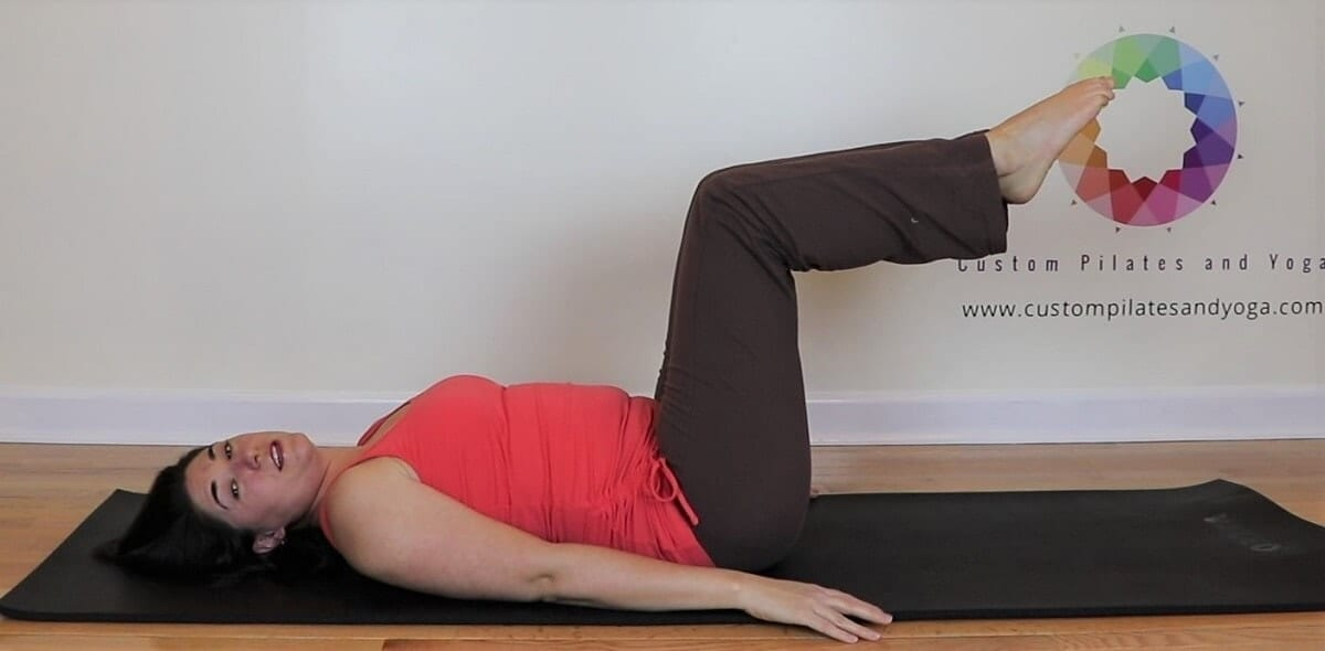 a picture of pilates table top position